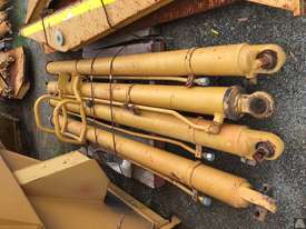 CATERPILLAR 740 TRAY WITH RAMS (4 AVAILABLE) - picture1' - Click to enlarge