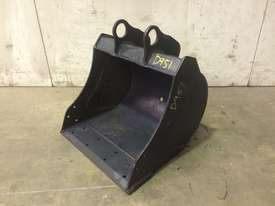 UNUSED 450MM BUCKET WITH BLANK HOOKUPS SUIT 1-2T EXCAVATOR D951 - picture0' - Click to enlarge
