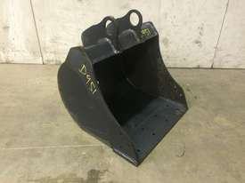 UNUSED 450MM BUCKET WITH BLANK HOOKUPS SUIT 1-2T EXCAVATOR D951 - picture1' - Click to enlarge