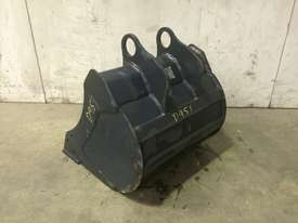 UNUSED 450MM BUCKET WITH BLANK HOOKUPS SUIT 1-2T EXCAVATOR D951 - picture3' - Click to enlarge