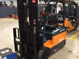 TOYOTA 7FBE18 4300MM CONTAINER MAST 4000 HOURS - picture1' - Click to enlarge