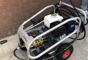 Ex demo Petrol Pressure Washer 4000 PSI 15 HP Honda GX390 Engine Pro Scud