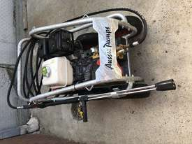 Ex demo Petrol Pressure Washer 4000 PSI 15 HP Honda GX390 Engine Pro Scud - picture1' - Click to enlarge