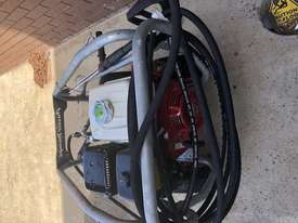 Ex demo Petrol Pressure Washer 4000 PSI 15 HP Honda GX390 Engine Pro Scud - picture3' - Click to enlarge