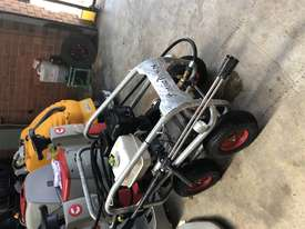 Ex demo Petrol Pressure Washer 4000 PSI 15 HP Honda GX390 Engine Pro Scud - picture6' - Click to enlarge