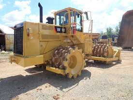 Caterpillar 815F Compactor - picture3' - Click to enlarge
