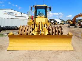 Caterpillar 815F Compactor - picture5' - Click to enlarge