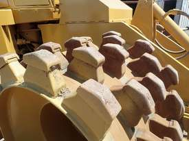 Caterpillar 815F Compactor - picture7' - Click to enlarge