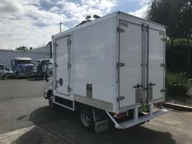 Hino 616 - 300 Series Pantech Truck - picture4' - Click to enlarge