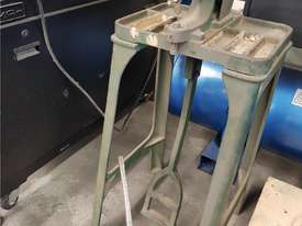CARR AUTOMATIC EYELET MACHINE 2012 MODEL 16-FEI, PNEUMATIC IN 1 OPERATION ONLY. CAST IRON PUNCH $225 - picture3' - Click to enlarge