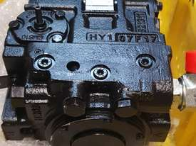 Hydraulic Pump - 75cc Sunstrand 90 Series - picture0' - Click to enlarge