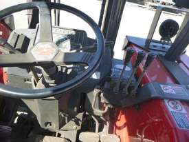 Circa 2005 Massey Ferguson 353 4x4 Brick Tractor - picture12' - Click to enlarge