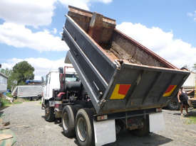 Nissan UD Tipper Truck - picture11' - Click to enlarge