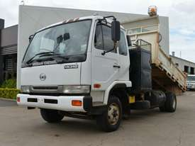 2006 NISSAN UD MK240 Tipper   - picture0' - Click to enlarge