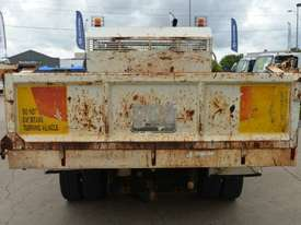 2006 NISSAN UD MK240 Tipper   - picture4' - Click to enlarge