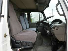 2006 NISSAN UD MK240 Tipper   - picture10' - Click to enlarge