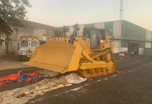 CAT D8T SU Blade & Tilt c/w Single Shank Ripper