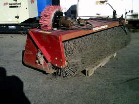 2000RW road broom for skidsteer - picture0' - Click to enlarge