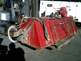 2000RW road broom for skidsteer - picture1' - Click to enlarge