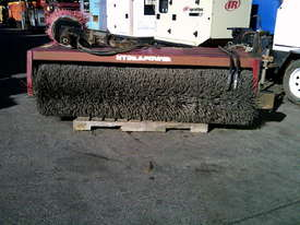 2000RW road broom for skidsteer - picture2' - Click to enlarge