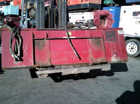 2000RW road broom for skidsteer - picture3' - Click to enlarge
