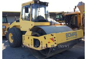 BOMAG BW 211D4 Vibratory Single Drum Asphalt