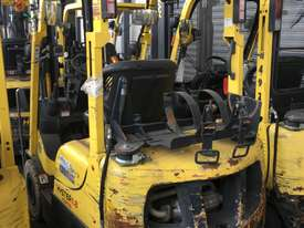 1.8T LPG Counterbalance Forklift - picture3' - Click to enlarge