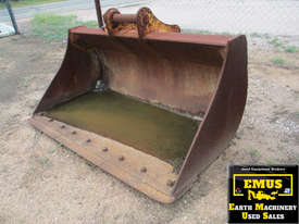 2mtr Mud Bucket to suit around 22 tunner. E.M.U.S. AS195 - picture0' - Click to enlarge