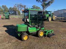 John Deere 1565 4wd Front Mower - picture1' - Click to enlarge