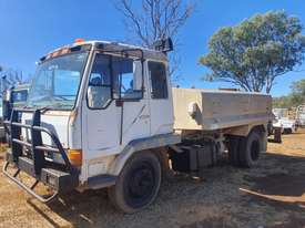 MITSUBISHI water truck - picture0' - Click to enlarge