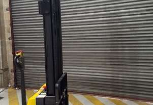 Liftsmart LS15 Electric Stacker - Selling before July 1