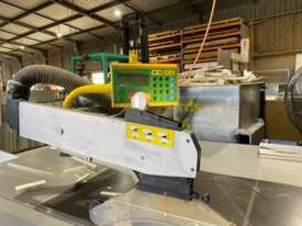 Altendorf F45 Sliding Table Saw - picture1' - Click to enlarge