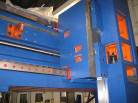 Acra Seiki Double Column Bridge Machining Centres - picture5' - Click to enlarge