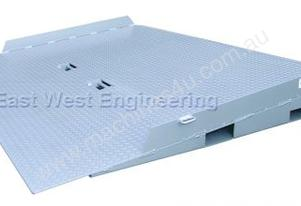 East West Engineering Container Ramp Short - 12T