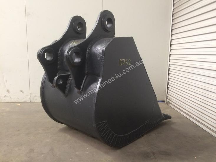 850MM TOOTHED DIGGING BUCKET SUIT 16-25T EXCAVATOR D752