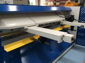 CMT HYDRAULIC GUILLOTINE | 6MM CAP | 3100MM LENGTH | PROGRAMMABLE BACK GAUGE - picture3' - Click to enlarge