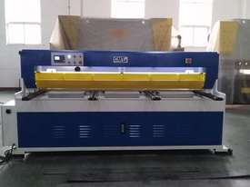CMT HYDRAULIC GUILLOTINE | 6MM CAP | 3100MM LENGTH | PROGRAMMABLE BACK GAUGE - picture1' - Click to enlarge