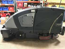 Nilfisk CS7000 LPG Sweeper/Scrubber 612 HOURS - picture0' - Click to enlarge