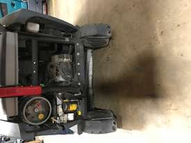 Nilfisk CS7000 LPG Sweeper/Scrubber 612 HOURS - picture3' - Click to enlarge