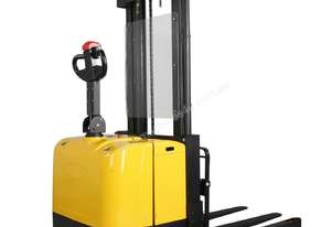Battery Electric Straddle Carrier
