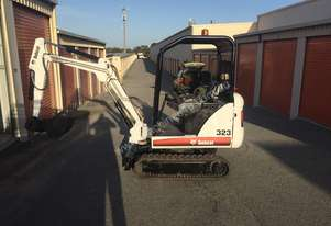 Bobcat   323 Low hours