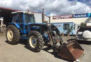 Ford 8210 4X4 Tractor with loader kit