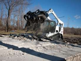 T770 Compact Track Loader   - picture1' - Click to enlarge
