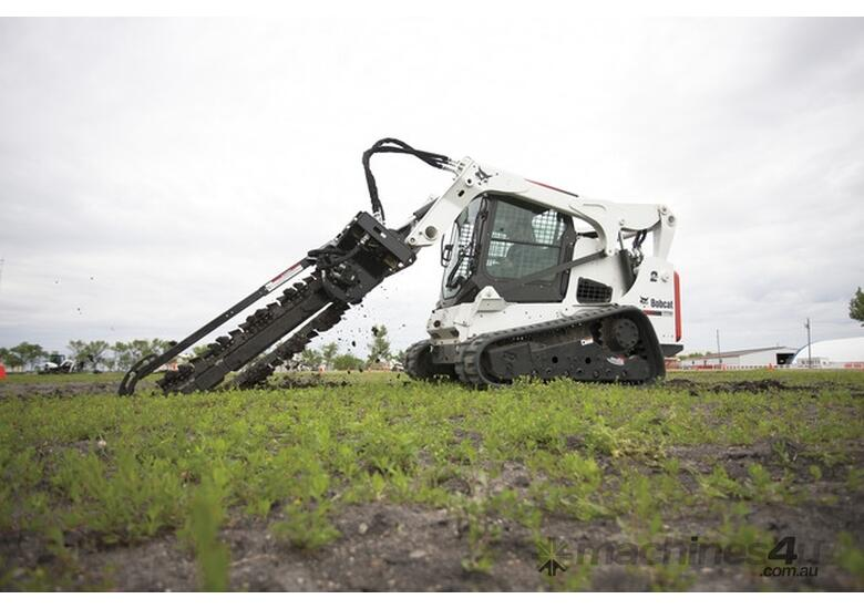 T770 Compact Track Loader