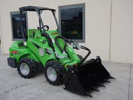 Avant 423 Articulated Loader W/ 4 in 1 Bucket - picture13' - Click to enlarge
