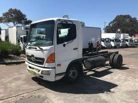 Hino FC Ranger 5 Cab chassis Truck - picture2' - Click to enlarge