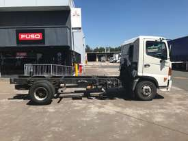 Hino FC Ranger 5 Cab chassis Truck - picture4' - Click to enlarge