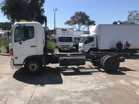 Hino FC Ranger 5 Cab chassis Truck - picture3' - Click to enlarge