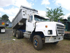 International S-Line Tipper Truck - picture0' - Click to enlarge