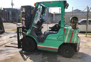 Mitsubishi FGE25 2009 2.5T LPG CONTAINER MAST FORKLIFT - 2500kg Capacity